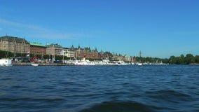 Travesía del mar en Estocolmo, Suecia almacen de video