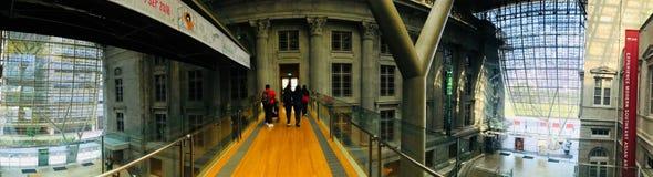 Travesía del puente de la galería nacional fotos de archivo