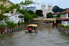 Travesía del río de Melaka Imagenes de archivo