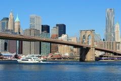 Travesía del río en el East River Imágenes de archivo libres de regalías