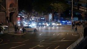 Travesía del tráfico en la ciudad de Brisbane almacen de metraje de vídeo