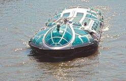 Travesía moderna del barco Imagen de archivo libre de regalías