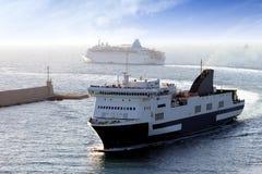 Travesía y transbordador Imagen de archivo libre de regalías