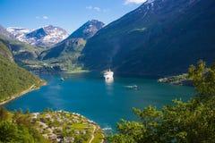 Travesías del fiordo de Geranger, Noruega Imagen de archivo libre de regalías