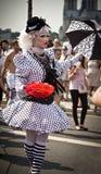 Travestido durante el orgullo alegre París 2010 Imagen de archivo