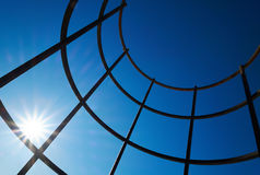 Travi di acciaio con il chiarore solare Fotografia Stock
