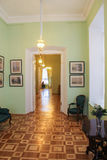 A través del palacio de Gatchina del sitio Imagen de archivo