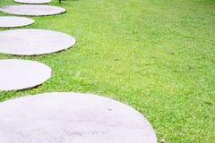 Trawa i cement półcyrkłowi Fotografia Royalty Free