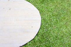Trawa i cement półcyrkłowi Zdjęcie Royalty Free