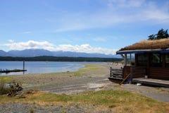 Trawa zakrywał dach, Denman wyspa, BC Fotografia Royalty Free