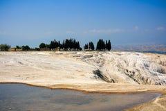 Trawertynów tarasy w Pamukkale i baseny Zdjęcie Royalty Free