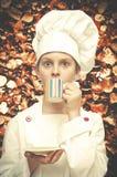 Trawienny biskwitowy tło Młody szef kuchni Obrazy Royalty Free