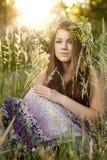 trawy kobieta parkowa siedząca Obraz Stock