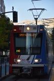 TRAX, sistema ferroviário da luz do ` s da autoridade do transporte de Utá, em Salt Lake City do centro fotografia de stock royalty free