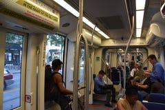 TRAX, sistema ferroviário da luz do ` s da autoridade do transporte de Utá, em Salt Lake City do centro imagens de stock