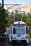 TRAX, sistema ferroviário da luz do ` s da autoridade do transporte de Utá, em Salt Lake City do centro fotos de stock royalty free