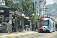 TRAX, sistema ferroviario della luce del ` s di autorità di trasporto dell'Utah, a Salt Lake City del centro fotografia stock