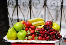 Tray of assorted delicious fresh fruit Royalty Free Stock Photography