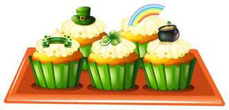 A tray with five cupcakes Royalty Free Stock Photos