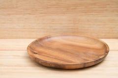 Tray On Wooden Table en bois pour le backgroud photo libre de droits