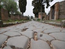 Trayectoria cobbled vieja en Pompeya Foto de archivo libre de regalías