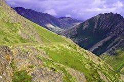Trayectoria de la montaña Foto de archivo libre de regalías