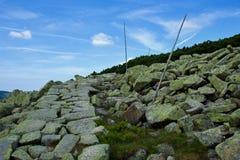 Trayectoria de piedra en Krkonose Imágenes de archivo libres de regalías