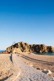 Trayectoria de piedra a la roca del Sa Palomera, en Blanes, Cataluña, España Imagen de archivo libre de regalías