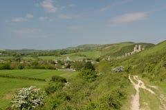 Trayectoria de Ridge sobre el castillo de Corfe Fotos de archivo