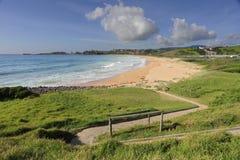 Trayectoria de Zig Zag a la playa Australia de Bombo Imagen de archivo