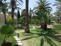 Trayectoria del jardín en el hotel Imagenes de archivo