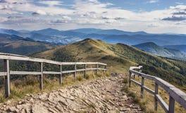 Trayectoria en las montañas Foto de archivo