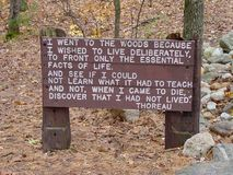 Trayectoria en Walden Pond Imagenes de archivo