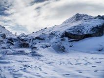 Trayectoria a Gorak Shep en viaje del campo bajo de Everest Fotografía de archivo