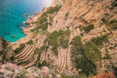 Trayectoria serpentina vía Krupp en Capri, Italia imagen de archivo libre de regalías