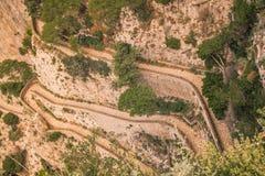 Trayectoria serpentina vía Krupp en Capri, Italia fotos de archivo libres de regalías
