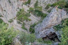 Trayectoria serpentina vía Krupp en Capri, Italia fotografía de archivo