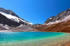 Trayez le lac à la réserve naturelle de Yading dans le comté de Daocheng, Chine Photo libre de droits