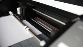 Trazador que corta de papel, unicornio del papel almacen de video