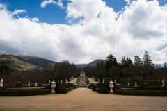 Trädgård av slottLa Granja de San Ildefonso, Spanien Royaltyfri Bild