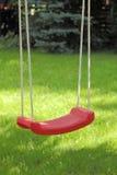 Trädgårds- gunga som hänger på träd Royaltyfri Fotografi