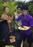 Tre amici ad un barbecue Immagine Stock Libera da Diritti