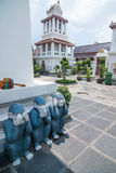Tre apagester på Wat Arun Royaltyfri Fotografi