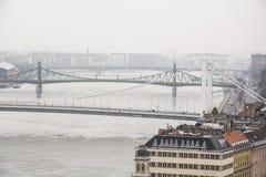 Tre av broar för strömförsörjning för Budapest ` s Arkivbilder