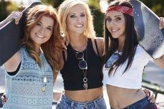 Tre bästa flickvänner royaltyfria bilder