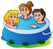 Tre bambini in raggruppamento royalty illustrazione gratis