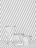 Tre bicchieri d'acqua pieni sul tessuto rigato Fotografia Stock Libera da Diritti
