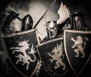 Tre cavalieri medioevali fotografia stock