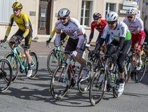 Tre ciclisti - 2019 Parigi-piacevole fotografia stock