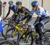 Tre ciclisti - 2019 Parigi-piacevole fotografia stock libera da diritti